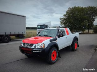Nissan Navara pick up rallye raid