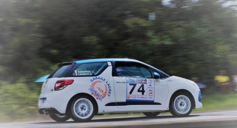Voiture rally Citroën DS3 R1