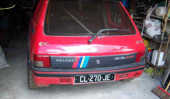 Peugeot 205 1.6 gti group a vhc